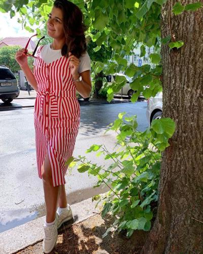 Полосатое платье - одна из самых любимых вещей летнего гардероба