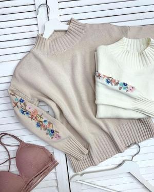 Купи уютный 🐾свитер с вышивкой + нежнейший лиф-бра от @ko_modnik и ты полюбишь любые холода❄️ ⠀ ✔️Свитер 🏷1100₽ ✔️Бра 🏷400₽ ⠀ ▫️Генделя 14 ▫️Ленинский 121