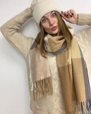 Новое поступление шарфов уже в @ko_modnik 🐾 👀Все цвета смотри в сторис  На фото: ✔️Шапка 🏷700₽ ✔️Свитер 🏷1100₽ ✔️Шарф 🏷750₽