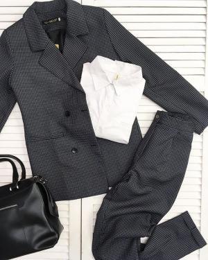Наша очередная новинка🖤 Брючный костюм с идеальной посадкой💣 ⠀ ⠀ ⠀ ▪️Костюм 2000₽ - 42,44,46,48 ▪️Рубашка 950₽-единый размер (42-46)