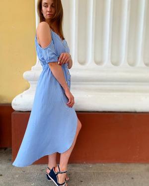 Девочки, HELP🙏 ⠀ Выбираем платье для фотосессии📸 Какое лучше? Помогите определиться🤗 ⠀ Голосуем в комментариях⤵️