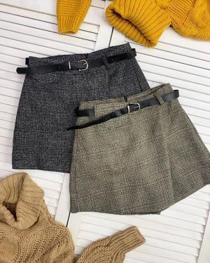 Осень - не время прятать свои красивые ножки😜 ♥️Время их показывать с помощью тёплых юбочек и юбка-шорт от @ko_modnik Размеры S M L 🏷1100₽ ⠀ Вы же знаете, куда идти?🙋🏻♀️ ▫️Генделя 14 ▫️Ленинский 121