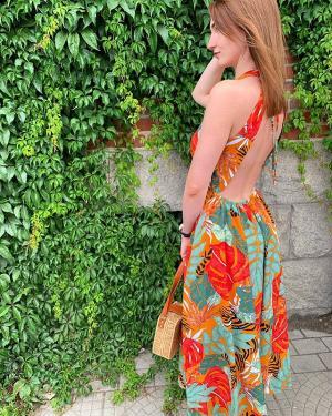Красотки наши!👋 По многочисленным просьбам мы продолжаем акцию -10% на весь ассортимент магазина до 15 июля включительно)! —————————————— Шикарное платье ждёт свою шикарную хозяйку в магазине @ko_modnik ♥️ ⠀ Платье 🏷1700₽ Сумка 🏷2000₽ ⠀ #калининград #комодник #kaliningrad #komodnik #платьекалининград #платье39 #одеждакалининград #одежда39 #шоурумкалининград